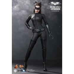Hot Toys MMS188 Batman The...