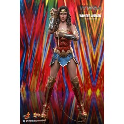 Hot toys MMS584 - Wonder...